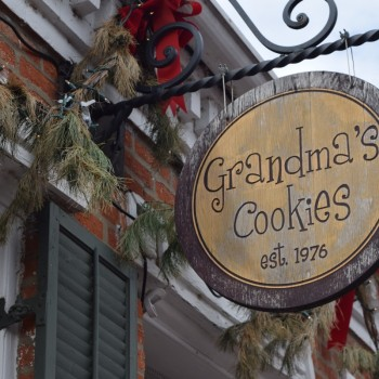 Image of the store sign outside Grandma's Cookies building.